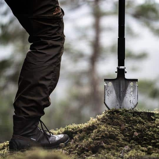tactical shovel can be used as paddle